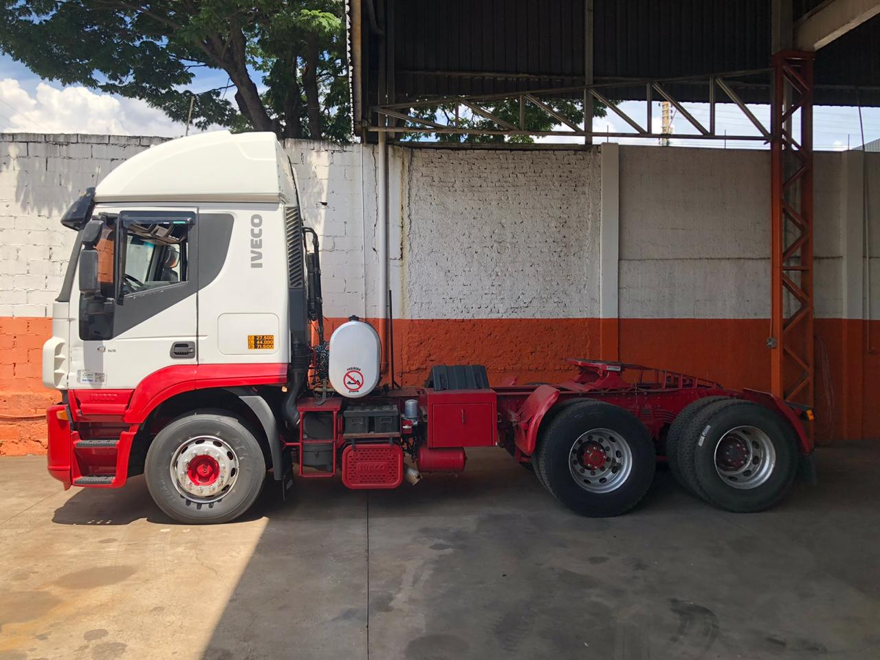 IVECO STRALIS 460 HD 6X4 2010