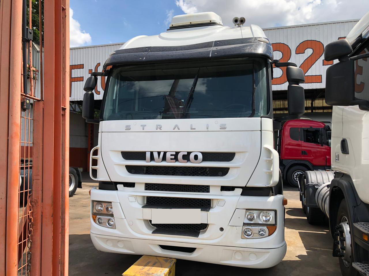IVECO STRALIS 440 HD 6X2 2013