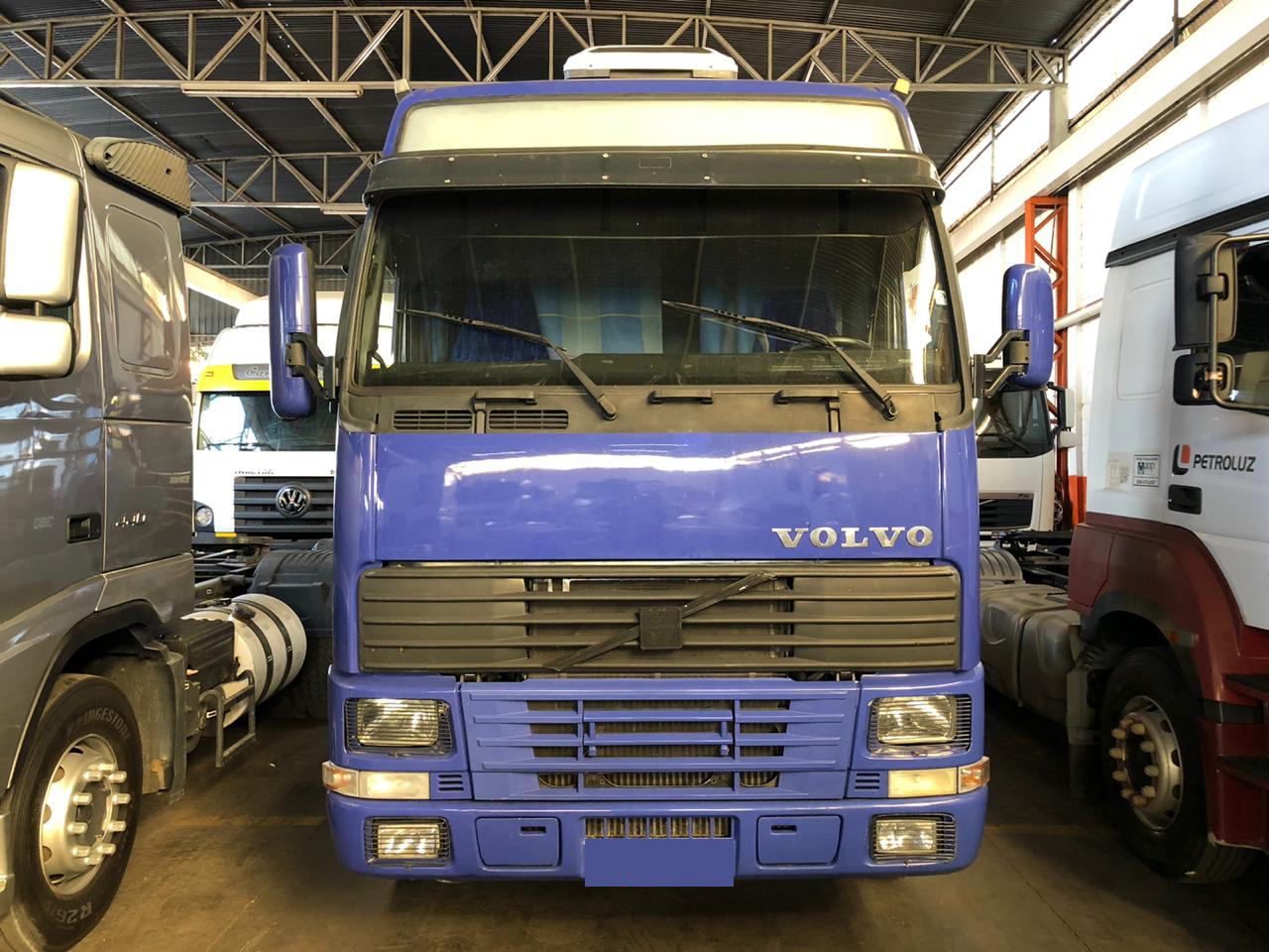 VOLVO FH 380 GLOBETROTTER 4X2 2001